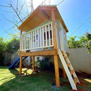 בית עץ לילדים בהתאמה אישית- בית עץ גבוה על עמודים מיוצר במיוחד עבורכם