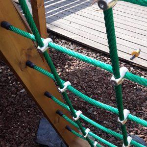 רשת חבלים – מתקן טיפוס לילדים
