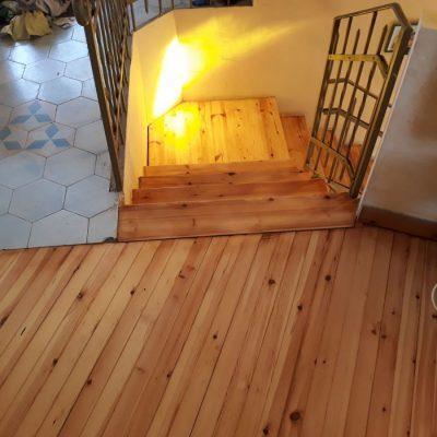 חידוש פרקט- הרצפה והמדרגות- ממש כמו חדש!